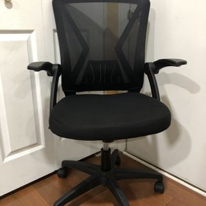 NEW- Black Mesh Desk Chair Flip Up Arms with Lumbar Support Computer Chair Adjustable Height Task Chairs for Sale in Bloomingdale, IL