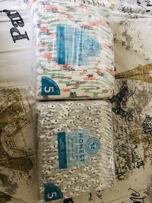 Honest Diapers size 5 for Sale in Brooklyn, NY