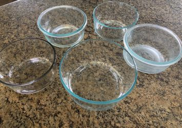 Food containers glass Pyrex bowls for Sale in La Mesa,  CA