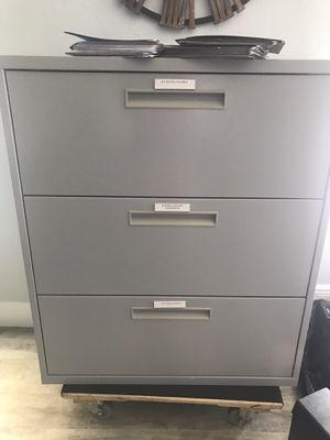 Metal File cabinet for Sale in Fort Lauderdale, FL