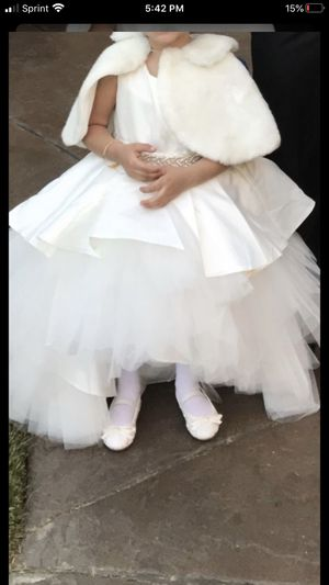Flower girls dress for 4 years old for Sale in El Cajon, CA