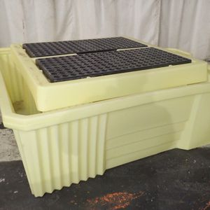 Uline H-4436 IBC Spill Containment Sump, Pallet - 8 Avail. for Sale in Portland, OR