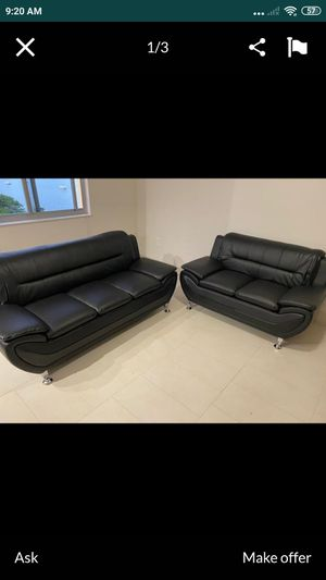 "Sofa and loveseat black faux leather new in boxes 72"" and 56"" for Sale in Oakland Park, FL"