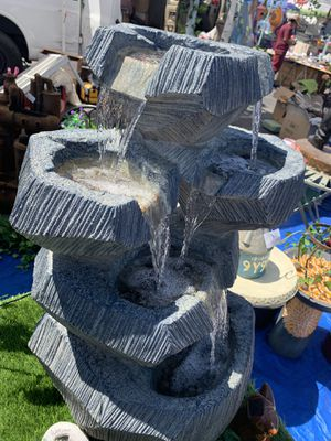 Beautiful fountain with lights for Sale in Cudahy, CA