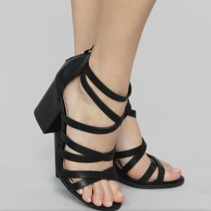 Black Strappy Heels Size 8 for Sale in East Windsor, CT