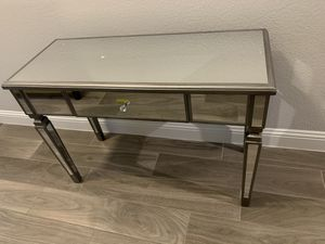 Brand new mirrored accent table for Sale in Fort Worth, TX