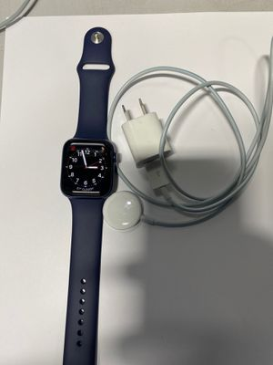 Apple Watch series 6 for Sale in Baltimore, MD