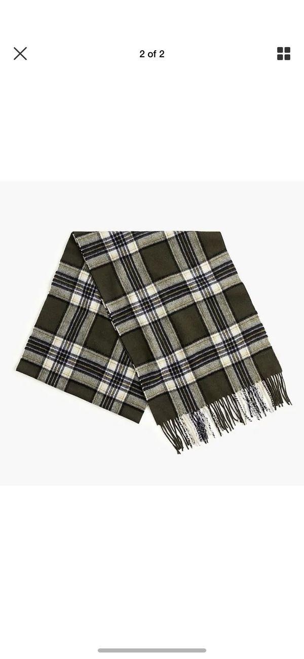 NWT J Crew 100% cashmere olive plaid scarf