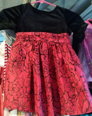 Girls Dresses Size 5 & 10/12 for Sale in Madera, CA