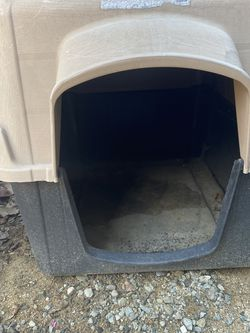 Dog Houses - Large & Medium FREE for Sale in Livermore,  CA