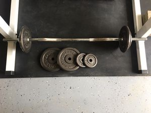 Curl bar and 55lb weights for Sale in Everett, WA