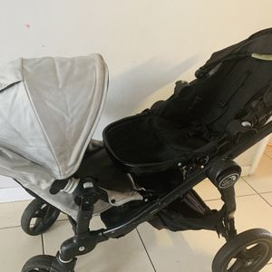 City Select Double Stroller Good Condition 180 for Sale in Miami, FL