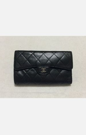 Authentic Chanel Quilted Lambskin Wallet for Sale in Riverview, FL