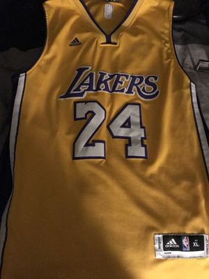 Lakers Kobe Jersey XL for Sale in Rancho Cucamonga, CA