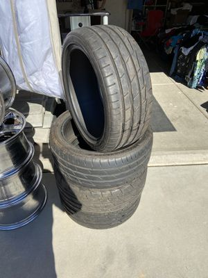 firestone tires 245/40/19 they have under 300 miles on them for Sale in Surprise, AZ