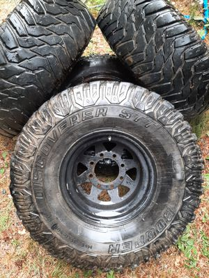 8 lug 35x12.5x15 for Sale in Enumclaw, WA