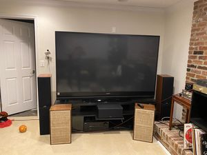 "82"" Mitsubishi DLP Tv for Sale in West McLean, VA"