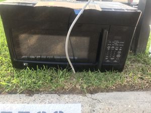 Free working lg microwave for Sale in Porter, TX
