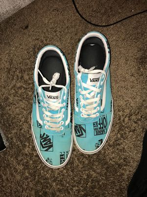 VANS LOW SIZE 11.5 for Sale in Willoughby, OH