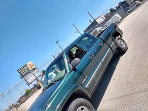 2001 CHEVY SILVERADO 1500 HD for Sale in Philadelphia, PA