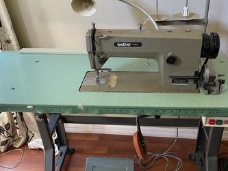 Industrial Sewing Machine Needs a new motor for Sale in Edgewood,  FL
