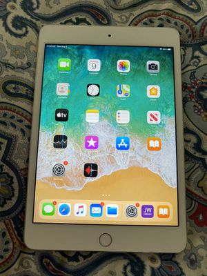 USED- great condition Apple IPad Mini 4th Gen 128GB - for Sale in Queens, NY