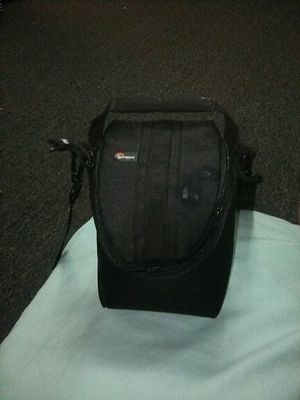 Nikon camera with strap and bag for Sale in Monroeville, PA