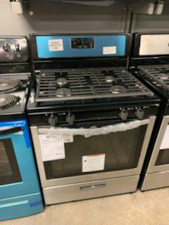 New Whirlpool Stainless Gas Range!1 Year Manufacturer Warranty Included! for Sale in Chandler, AZ