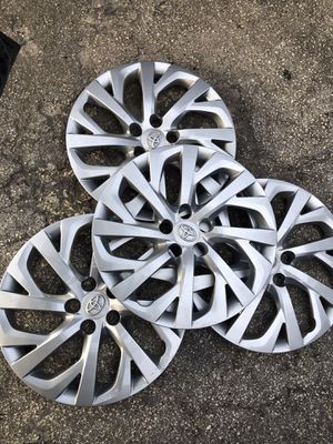 "Toyota hubcaps original from factory 16"" for Sale in Miami, FL"