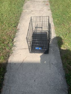 Small Dog crate for Sale in Gainesville,  FL