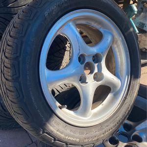 Vendo 4 Rines Con Llanta Casi Nuevas Para Carro Honda O Toyota for Sale in Santa Ana, CA