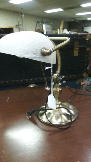 Cute Bankers lamp for Sale in High Point, NC