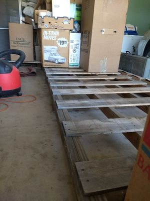 Looong pallet. 14.5 x 4 ft for Sale in Washington, IL