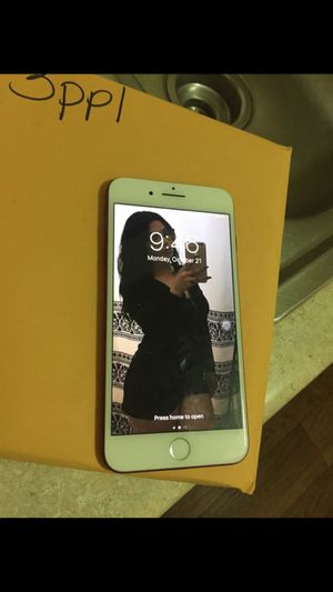 Unlocked iPhone 7 Plus T-Mobile and metro! Phone is unlocked as well 128 for Sale in Whittier, CA