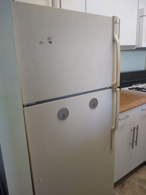 Working Refrigerator - Free for Sale in Rockville, MD