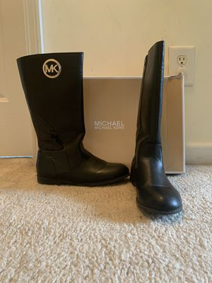 Girls Black Size 5 Michael Kors Leather Boots. for Sale in West Columbia, SC