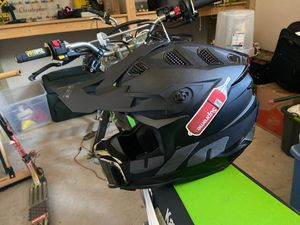 L52 dirt bike helmet for Sale in Austin, TX