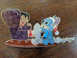 Lilo & Stitch Christmas pin 2007 limited edition of 1000 for Sale in Glendale, AZ