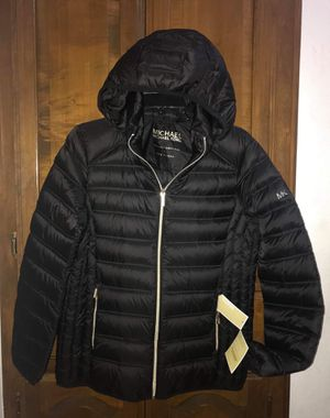 (New / Tag) Michael Kors L Large Packable Down Black Women's Jacket for Sale in Irving, TX