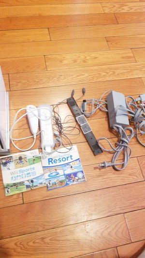 Wii white Nintendo combo pack for Sale in Los Angeles, CA