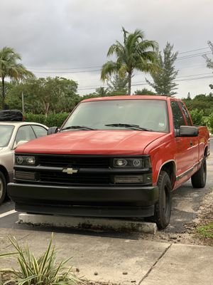 1998 Chevy C1500 Silverado extended cab clean!! for Sale in Boca Raton, FL