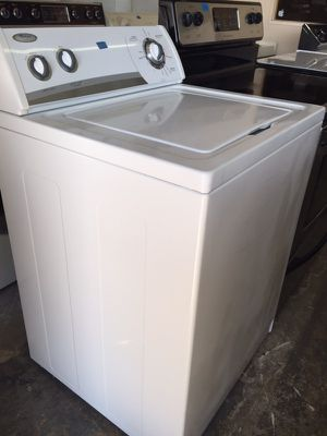 Whirlpool white washer in excellent condition plus 6 months warranty for Sale in Pompano Beach, FL