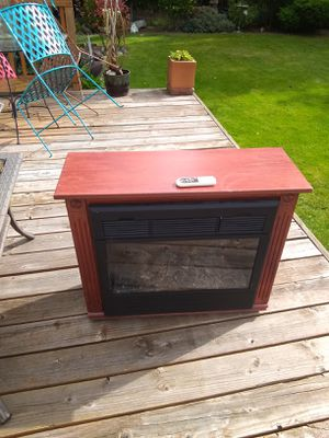 HEAT SURGE • Amish FIREPLACE HEATER with REMOTE • EXCELLENT WORKING CONDITION for Sale in SeaTac, WA