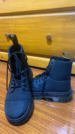 Dr Martens Comb Boots Size 7/8 for Sale in Los Angeles, CA