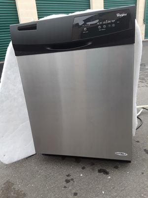 Dishwasher whirlpool nice and clean everything works 24x34 for Sale in Corona, CA