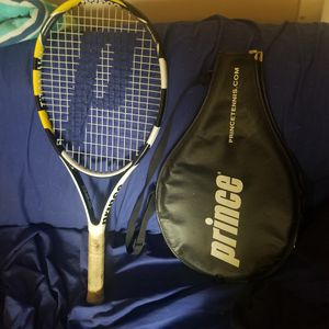 Tennis racket for Sale in Portland, CT
