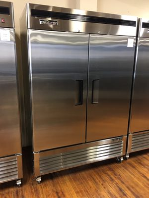 Bottom mounted commercial freezer 2 doors stainless steel for Sale in Pomona, CA