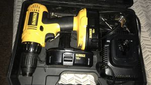 dewalt tool 18v Drill with everything you need inside for Sale in Brooklyn Park, MN