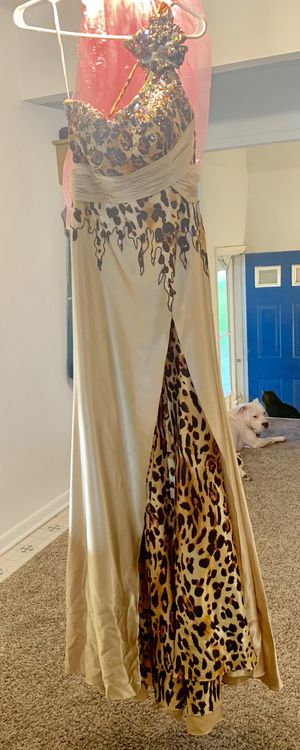 Prom Dress made by Tony Bowls Paris size 8 for Sale in Smyrna, DE