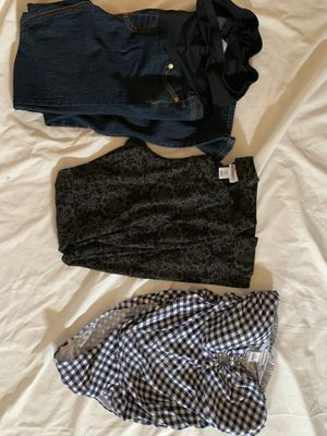Maternity clothing size medium all for 15$ for Sale in Kent, WA